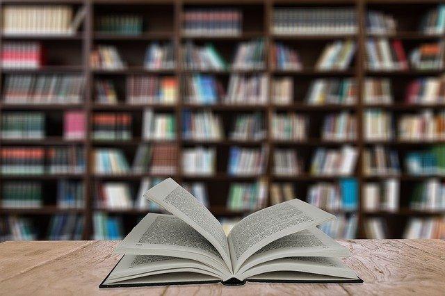 投資初心者なら書籍で知識を増やそう!先乗り投資法なら経験も積める!